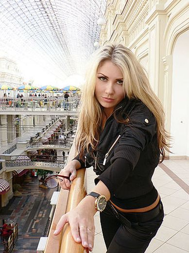 Fribourg escort girl Alva Sunna
