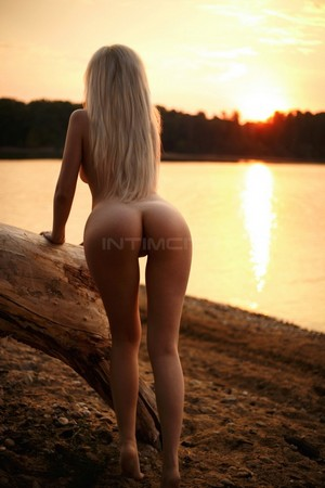 Carouge escort girl Amandla