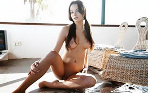 Yverdon Dina Meyer Tits